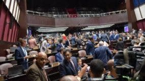 Lla primera sesión de esta legislatura el ambiente estuvo tranquilo  y sin   percances.  Archivo