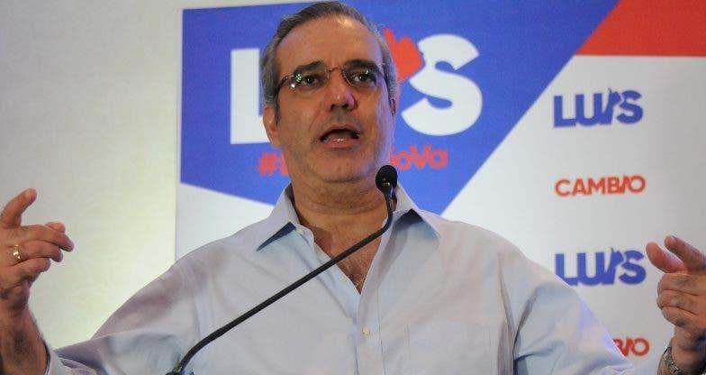 Abinader aseguró que   cumplirá la ley.  Nicolás Monegro