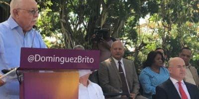 Antonio Isa Conde durante   acto en apoyo a Domínguez Brito.