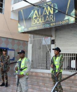 Casa de cambio Alan Dólar fue ocupada  en Villa Juana.
