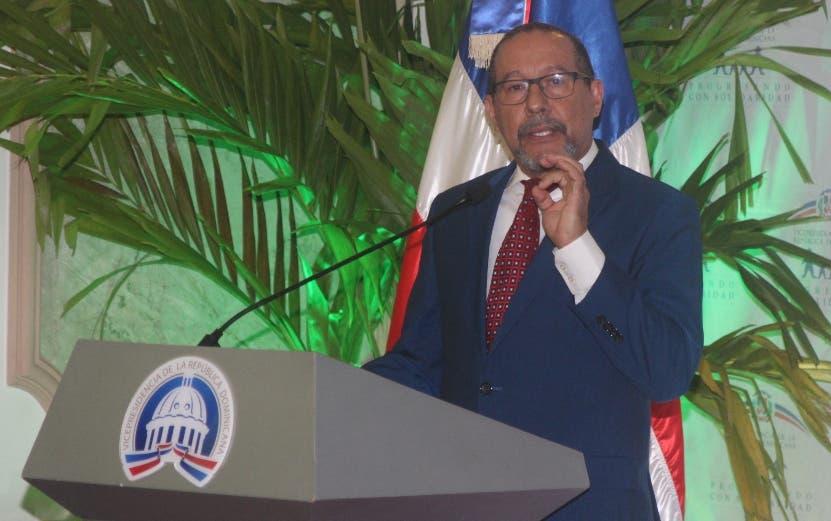 Oscar Amargós durante la ponencia del estudio.  José de León