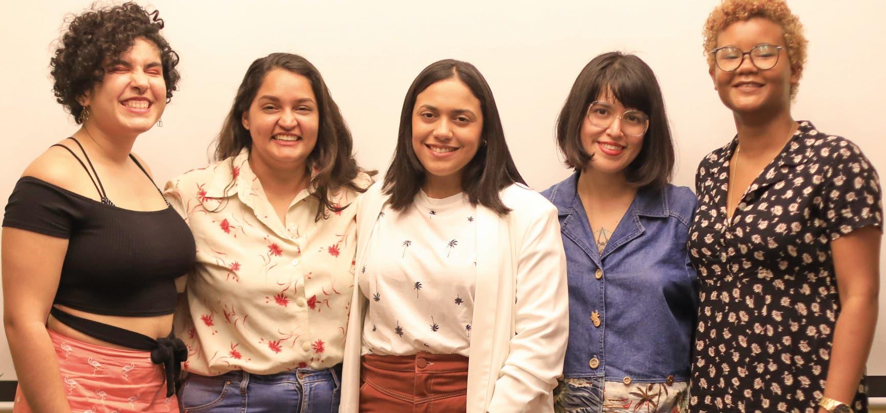 Las artistas de  la muestra: María  Subero, Noelia  Cordero, Graciela González, Daniela Urdaneta y  Betzaida Mesa.