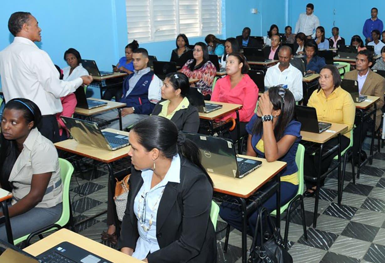 Educación anuncia concurso de oposición docente para este mes