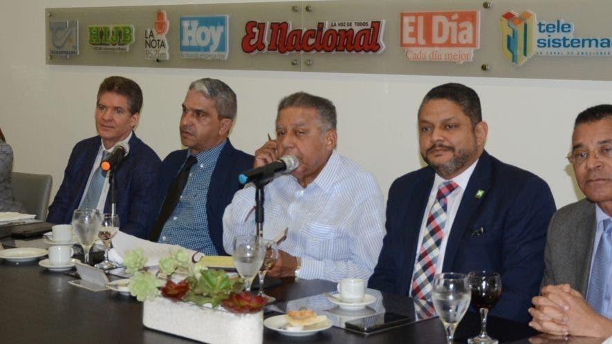 Los invitados en el Almuerzo del Grupo Corripio anunciaron la publicación de una revista, cuya actividad fue programada  para 21 de agosto,  José de León