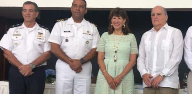 La embajadora Robin Bernstein estuvo presente en el acto.