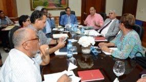 Diputados y senadores que analizan la modificación al Sistema de Seguridad Social.
