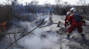 El gobierno de Brasil  designó   44,000 militares en el territorio amazónico para controlar los incendios forestales.