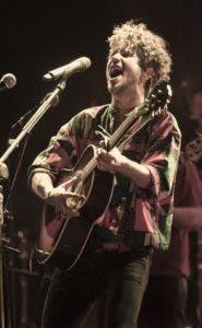 El cantante Vicente García en Santiago.  Joel García