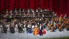 La Orquesta Sinfónica Nacional, dirigida por José Antonio Molina, durante el concierto  de celebración del  46.º  aniversario del Teatro Nacional.