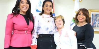 Robiamny Balcácer, Cándida Montilla, y Luisa Milqueya Sención.