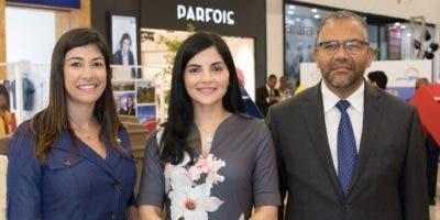 Charlene Peña, Berlinesa Franco y Víctor Sánchez, durante la apertura del evento.