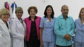 Directivos Instituto Oncológico junto a los médicos reconocidos.