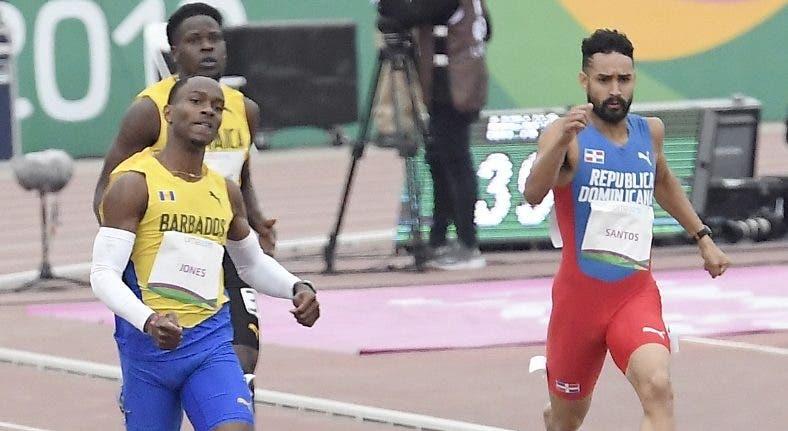 Luguelín avanza a 'chepa' a la final 400 metros lisos