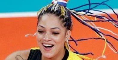 Brenda Castillo, destacada selección de voleibol.