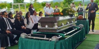 Familiares y amigos despiden al inmortal Frank Prats.