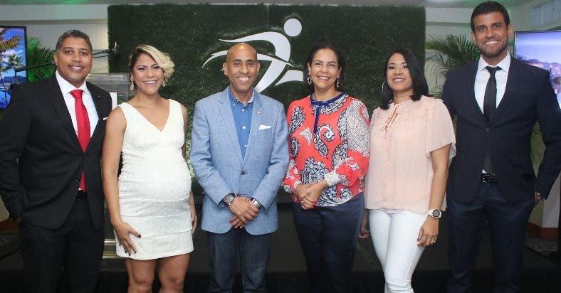 Samuel Núñez, Karla Martín, Puro De La Cruz, Alexandra Matos De Purcell, Marlenny Peña y  Modesto Reyes.