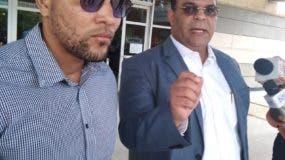 Ottoniel Gutiérrez Cruz junto a su abogado Félix Portes.