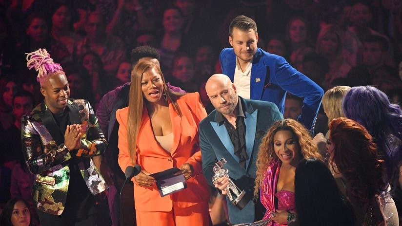 Queen Latifah y John Travolta durante los MTV Video Music Awards 2019 en Newark (Nueva Jersey, EE.UU.), el 26 de agosto de 2019.