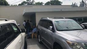 El encuentro se realiza a puertas cerradas en la oficina política de Leonel.