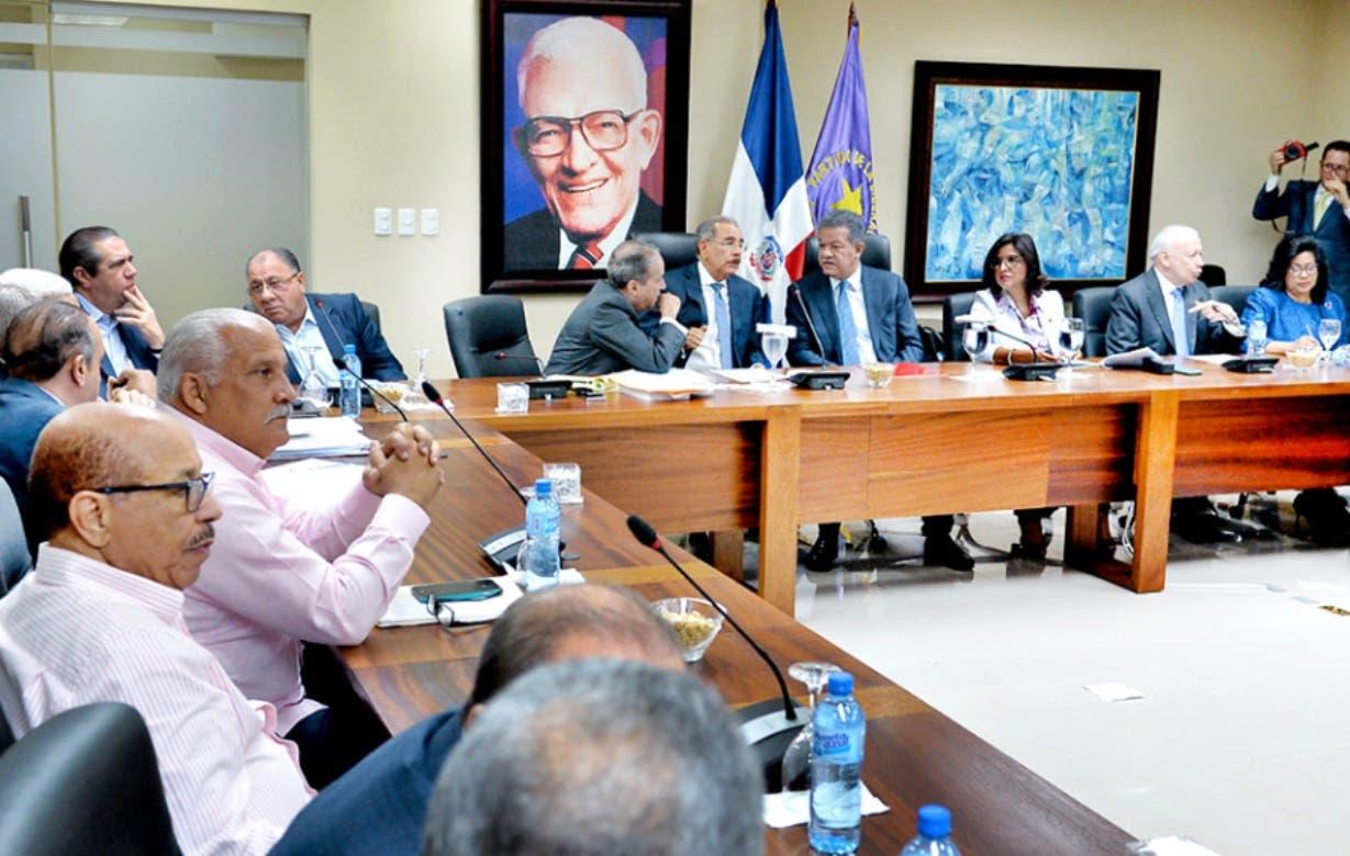 La Comisión Nacional Electoral se reunirá hoy para definir la metodología  de votación.