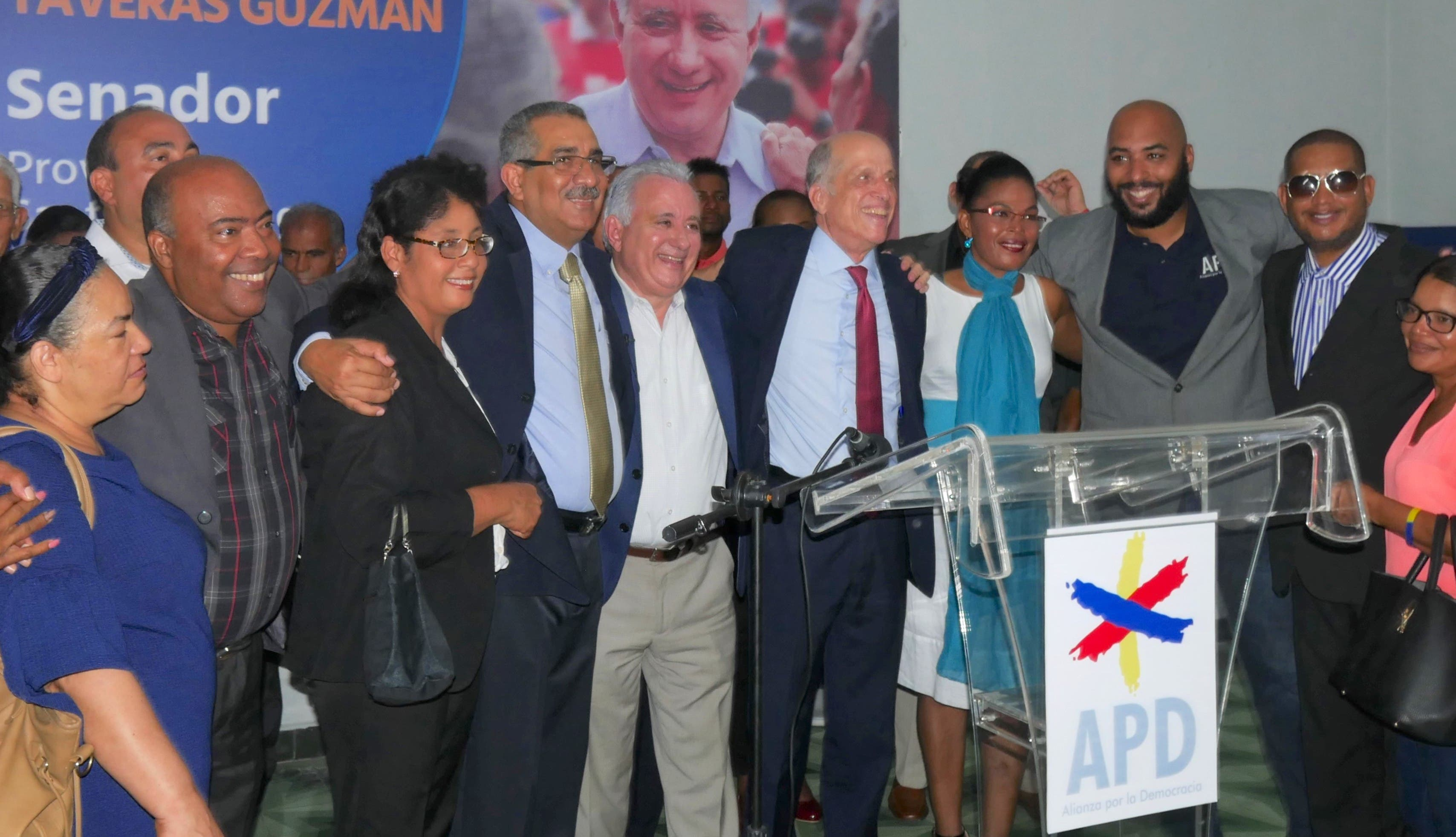 APD apoya candidatura a senador de Antonio Taverás Guzmán
