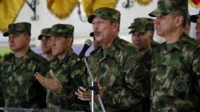 El comandante del Ejército de Colombia, general Nicacio Martínez, habla durante una rueda de prensa este sábado en Bogotá (Colombia). Martínez afirmó que subió a 12 el número de disidentes de las FARC que murieron en una gran operación militar ejecutada en el departamento del Caquetá, en el sur de Colombia. EFE/Mauricio Dueñas Castañeda