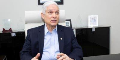Comisionado de Béisbol Profesional del Caribe,  Juan Fco. Puello Herrera.