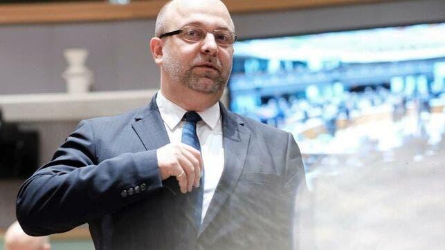 Lukasz Piebiak, dimitió hoy después que el portal Onet.pl, uno de los principales sitios de noticias de Polonia, le situase detrás de una campaña para desprestigiar a los magistrados más críticos con las reformas del sistema judicial emprendidas por el Gobierno.