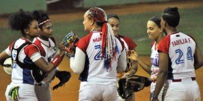 El equipo de softbol femenino de mayores va por la clasificación a los Juegos Olímpico Tokio-2020.