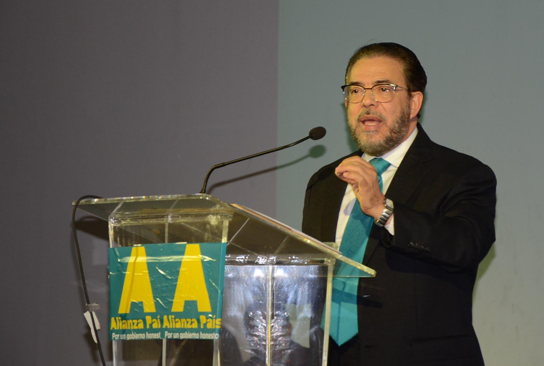 Alianza País (ALPAIS) Guillermo Moreno y Opción Democrática (OD) Minu Mirabal proclamaron este domingo su fusión, en un acto celebrado en el hotel Cataluña/foto José de León