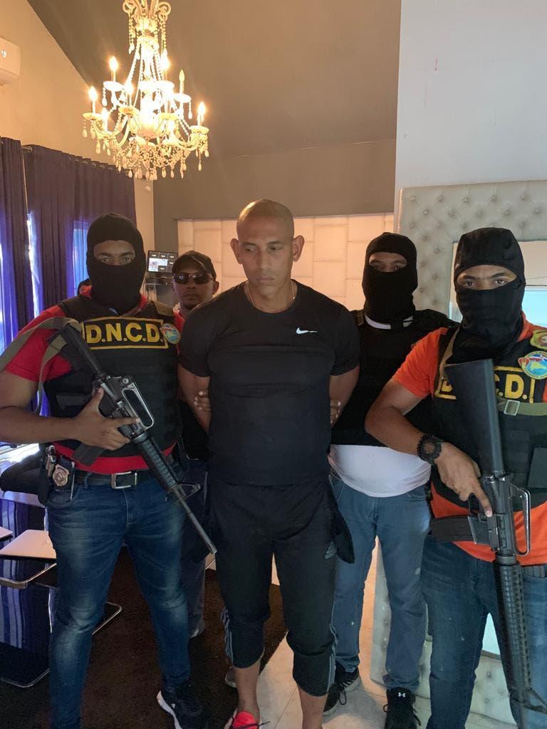 Sánchez Pérez fue apresado en su residencia del sector Vista Hermosa, en Santo Domingo Este, y de conducido a la Fiscalía del Distrito Nacional.