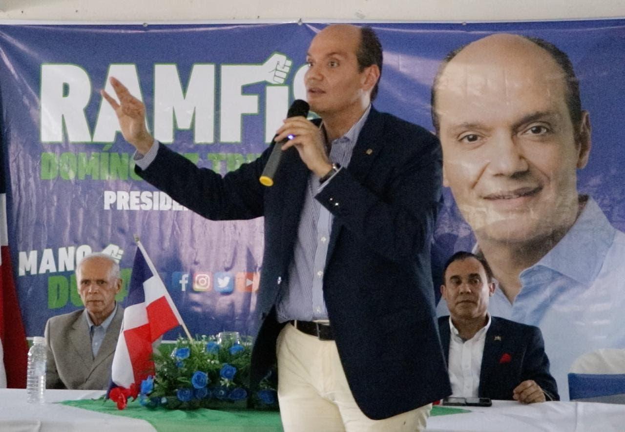 Ramfis Domínguez Trujillo afirmó que el gobierno dominicano recibe inteligencia directa de los Estados Unidos, indicándole cuáles son los capos de la droga que residen en el país.