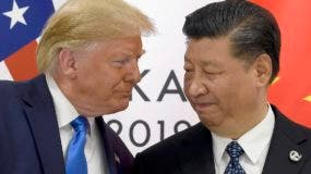 Foto de archivo de Donald Trump y Xi Jinping.