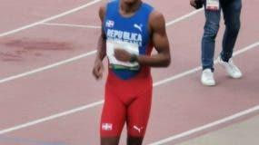 Yancarlos Martínez obtuvo medalla de bronce en los 200 metros planos.