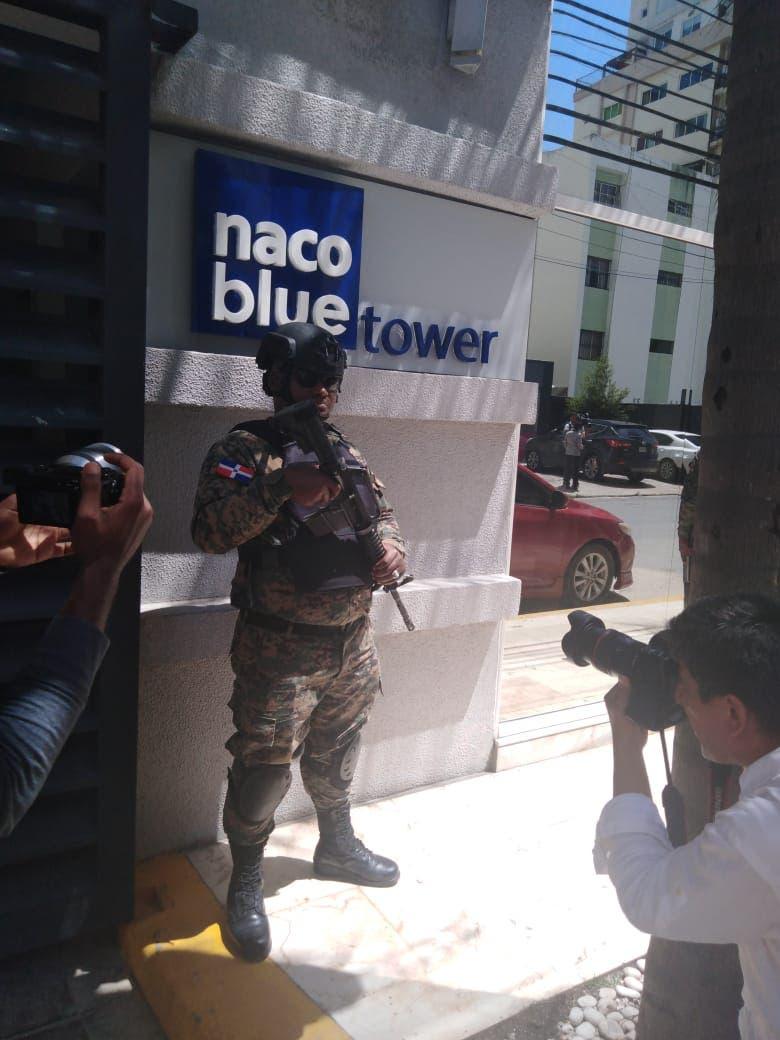 La pareja de César el Abusador, Marisol Franco, fue apresada en su apartamento de la torre Naco Blue Tower.