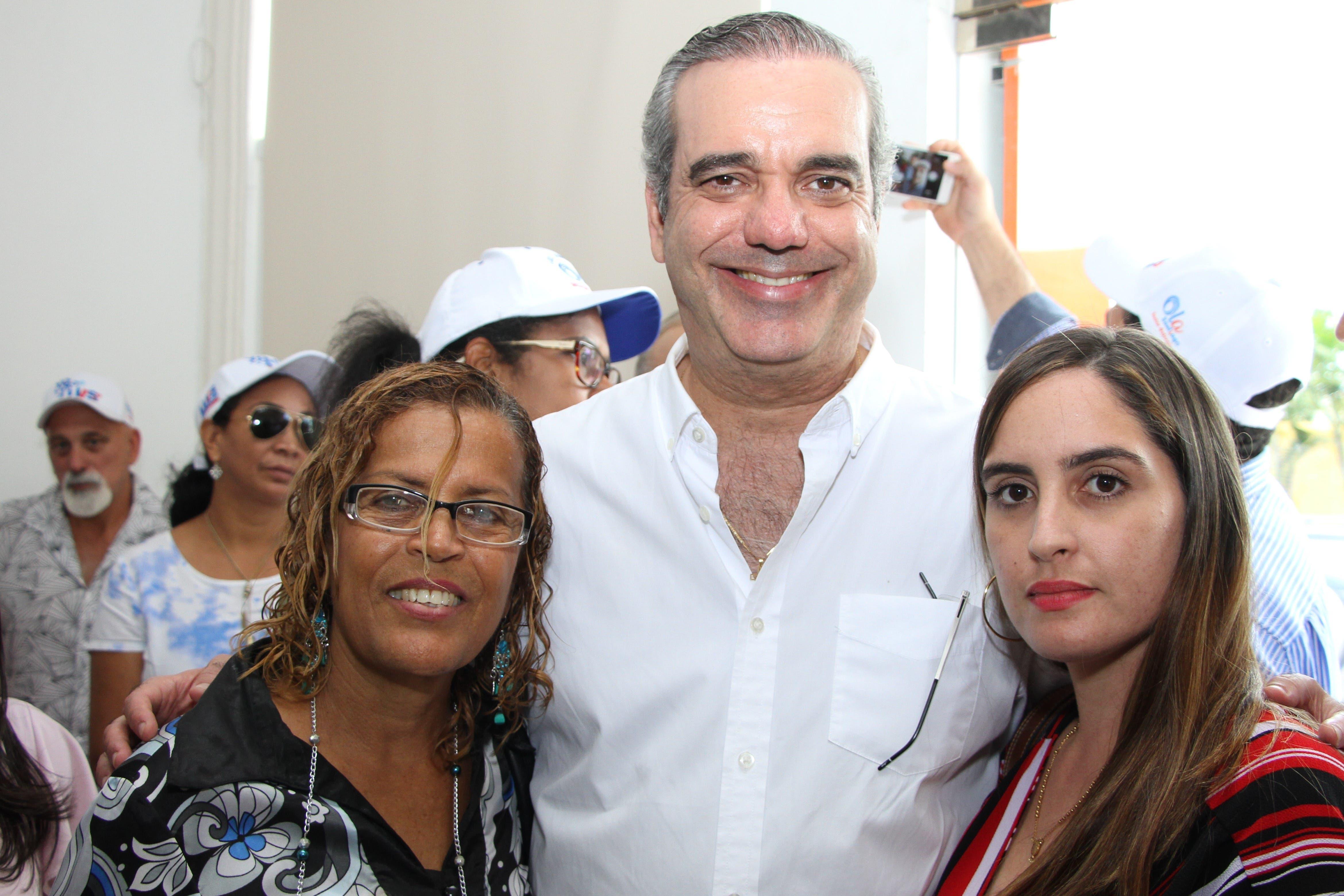 Abinader sigue trabajos para ganar primarias con apoyo plebiscitario
