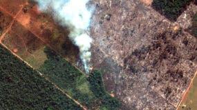 En esta imagen satelital del 15 de agosto de 2019 proporcionada por Imagen satelital © 2019 Maxar Technologies, se muestran incendios en el estado de Rondonia, Brasil, en la cuenca alta del río Amazonas. El Instituto Nacional de Investigación Espacial de Brasil, una agencia federal que monitorea la deforestación y los incendios forestales, dijo que el país ha visto un número récord de incendios forestales este año, un aumento del 84 por ciento en comparación con el mismo período del año pasado. Los estados más afectados por los incendios este año son Mato Grosso, Pará y Amazonas, todos en la región amazónica.