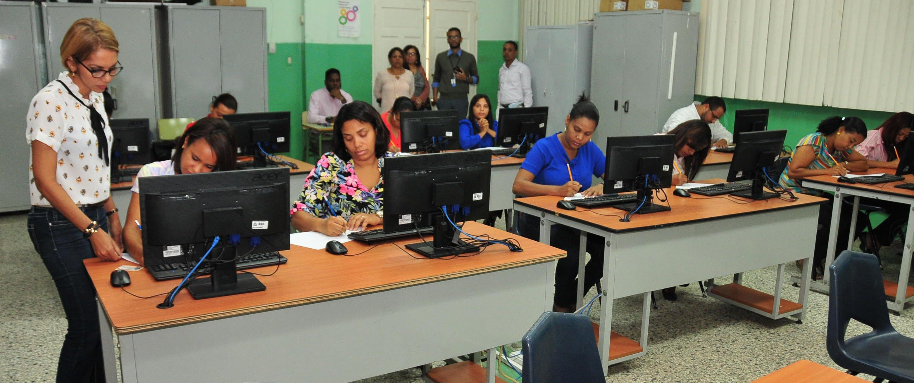 Solo el 23.92% de profesores aprobó Concurso de Oposición Docente
