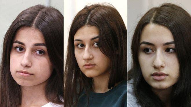 Angelina a la izquierda tenía 18 años cuando mató a su padre, Maria, en el centro, tenía 17 y Krestina 19 años.