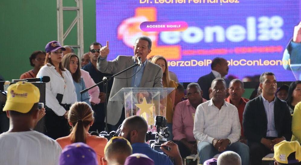 Leonel Fernández confía se cumpla acuerdo para presidir Cámara de Diputados