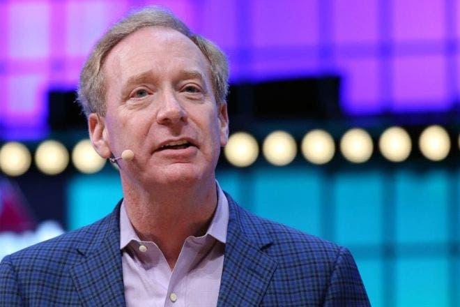 El presidente de Microsoft, Brad Smith, le dijo a la BBC que el uso de los productos de Microsoft por parte de Huawei no supone ningún riesgo de seguridad.