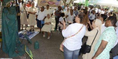 El carisma de San Vicente de Paúl es trabajar por los pobres.