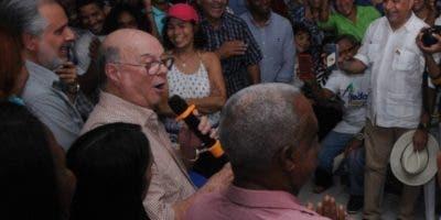 Hipólito Mejía se reunió con secretarios generales de diferenes zonas en apoyo a sus aspiraciones.  fuente externa