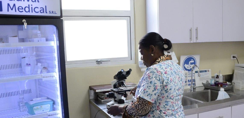 La Maternidad usa el laboratorio clínico para almacenar la sangre. José de León