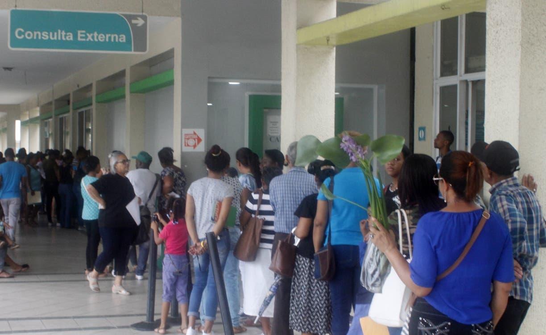 A diario  acuden al Marcelino Vélez  por todos los servicios unas  5,000 personas .  Duany nuñez