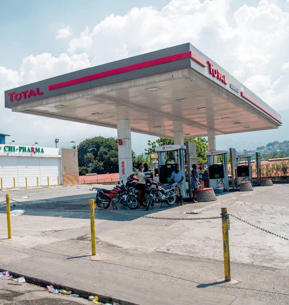 La escasez de gasolina sigue.