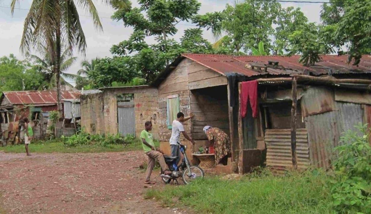 Al menos 130 mil pobres no tienen acceso a la Seguridad Social
