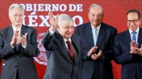 Andrés Manuel López Obrador proclama fin de guerra de exterminio contra crimen en México.