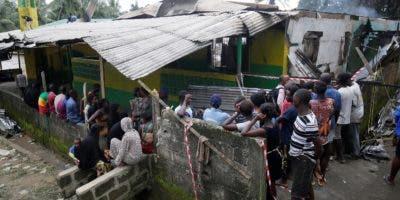 Mueren  28 niños calcinados por un incendio en escuela.