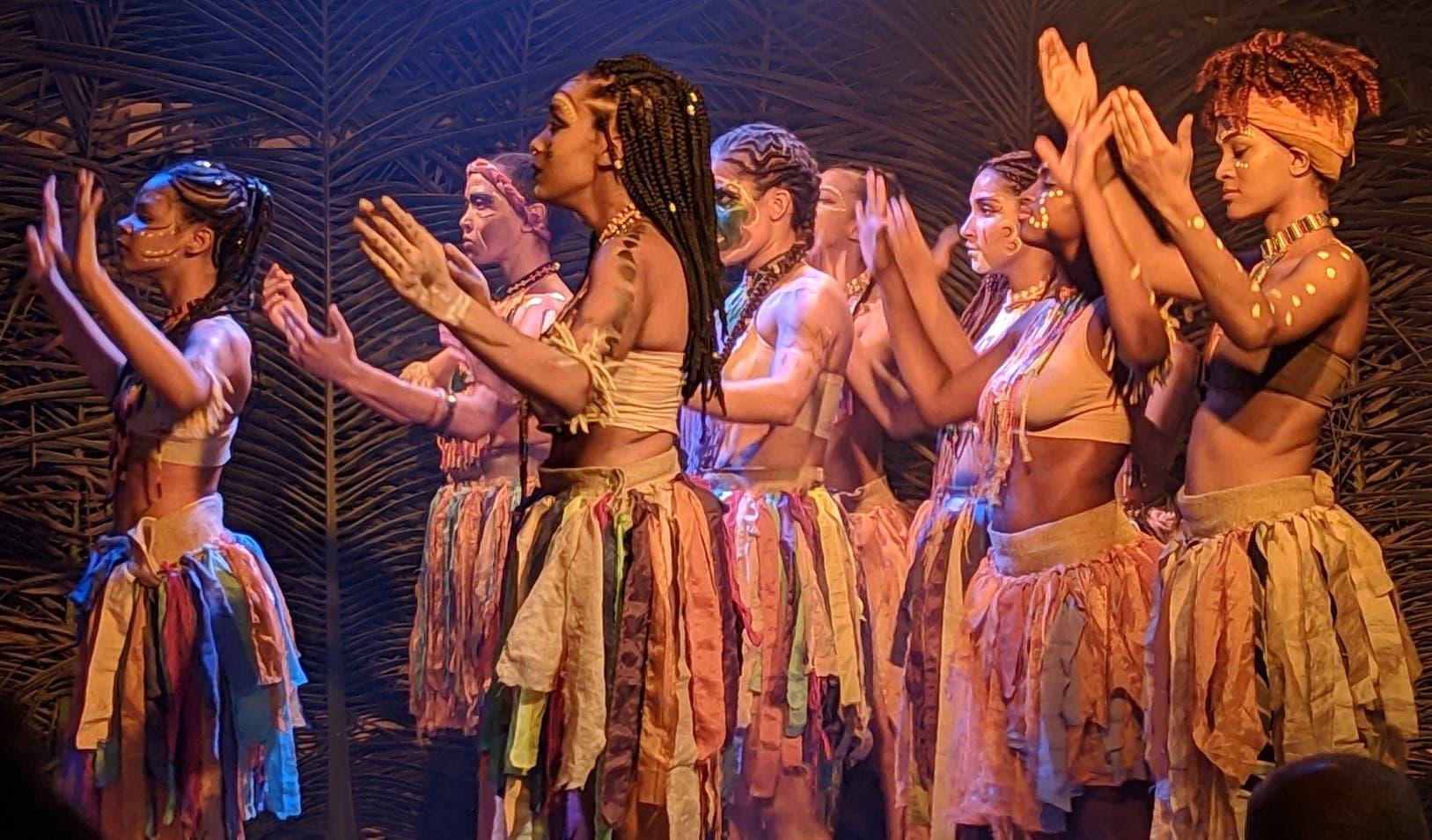 """Una escena de la pieza """"Lemba"""", de la agrupación Teatral Calíope, la cual participa de este festival."""